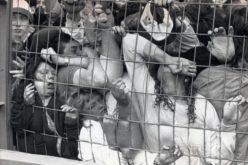 """31 години по-късно Англия още плаче за трагедията на """"Хилзбъро"""" (ПОТРЕСАВАЩИ КАДРИ)"""