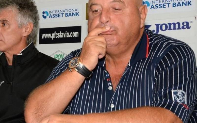 Венци Стефанов поиска главата на директор в БФС