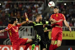Испания се измъчи в Скопие
