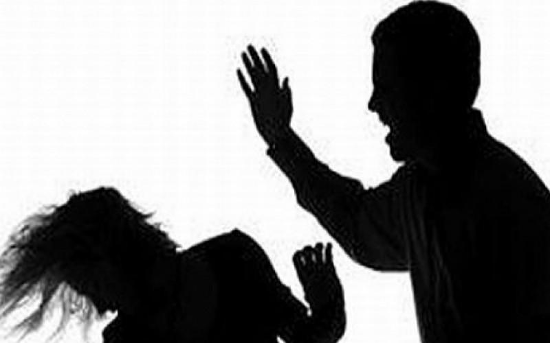 Баща нокаутира жена на детски мач в Пловдив
