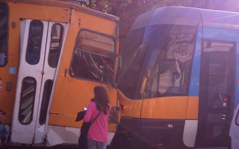 Уволняват ватманката, причинила трамвайната катастрофа в София (СНИМКИ)