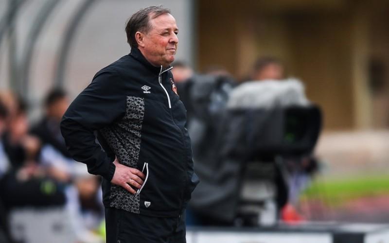 Треньорът на Славия се бори с рака