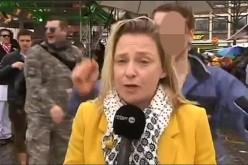 Опипаха репортерка в пряк ефир (ВИДЕО)