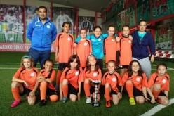 Девойките на ЛП Суперспорт с първа купа (СНИМКИ)