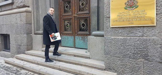 От щаба на Любо Пенев: Няма кой да допусне Килърите на българския футбол да бъдат държава в държавата