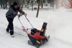Над 180 машини и 1022 души чистят снега в София