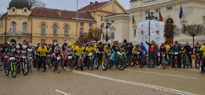 Хиляди се включиха във Велошествието и Велокарнавала из улиците на София (ВИДЕО)