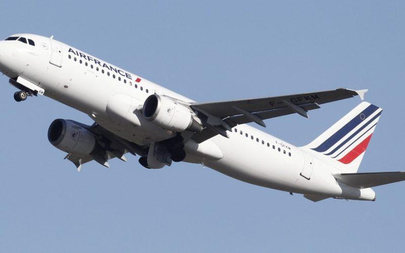 """""""Луфтханза"""" и """"Ер Франс"""" отменят стотици полети заради стачки"""