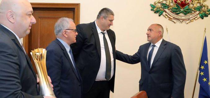 Шампионската купа от мондиала стартира обиколката си от Министерския съвет