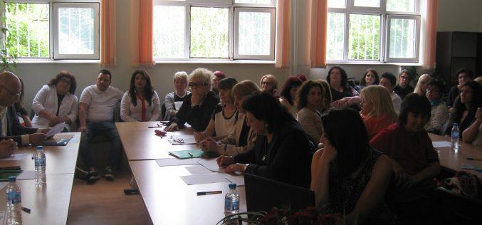 """Форум в """"Надежда"""" показа кои са водещите практики в предучилищното образование (СНИМКИ)"""