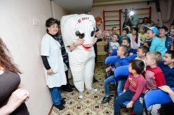 Най-масовото миене на детски зъбки в Северен парк за Деня на детето