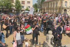 Родители излязоха на протест, искат промяна на държавната политика спрямо децата (ВИДЕО)