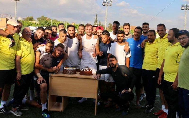 Мартин Тошев с първи гол в Ливан, изненадаха го с торта (СНИМКИ)