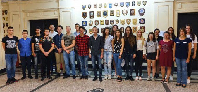 """20 младежи бяха приети за обучение по специалност """"Военен лекар"""""""