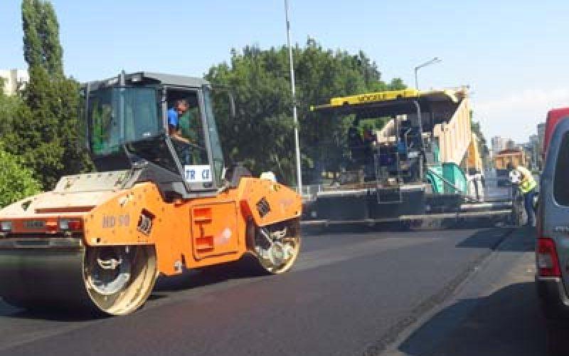 """Започна асфалтирането на бул. """"България"""""""