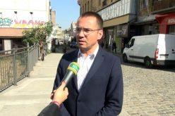 Джамбазки: Брадвите да бъдат изтръгнати от ръцете на циганите и заменени с кирки и лопати