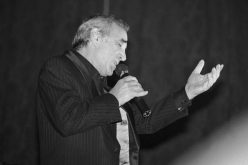 Почина Шарл Азнавур