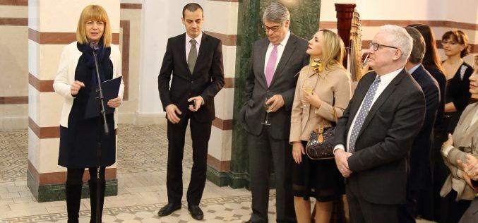 Фандъкова запозна чуждите дипломати с приоритетите на София за 2019 г.