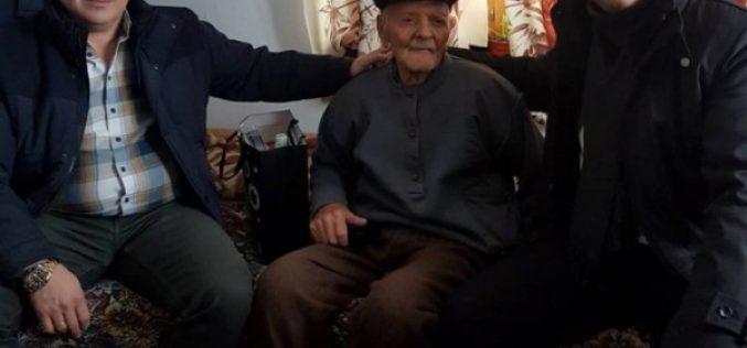 Военният министър награди 100-годишен ветеран от Осиково