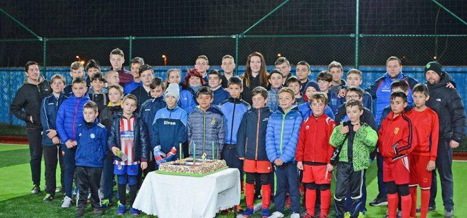 Децата на Надежда (Доброславци) празнуваха рожден ден (СНИМКИ)