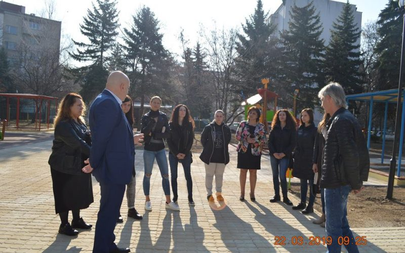 """Мащабна промяна за 5 детски градини и 5 училища в район """"Надежда"""""""