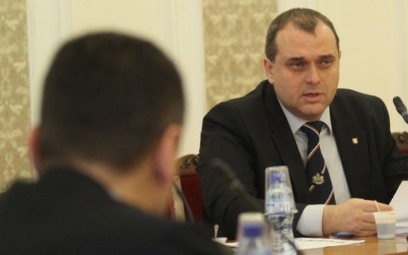 НС прие закона срещу социалния паразитизъм на Искрен Веселинов и депутати от ОП