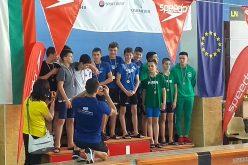 Алекс Стойнов грабна 6 медал от плувен турнир