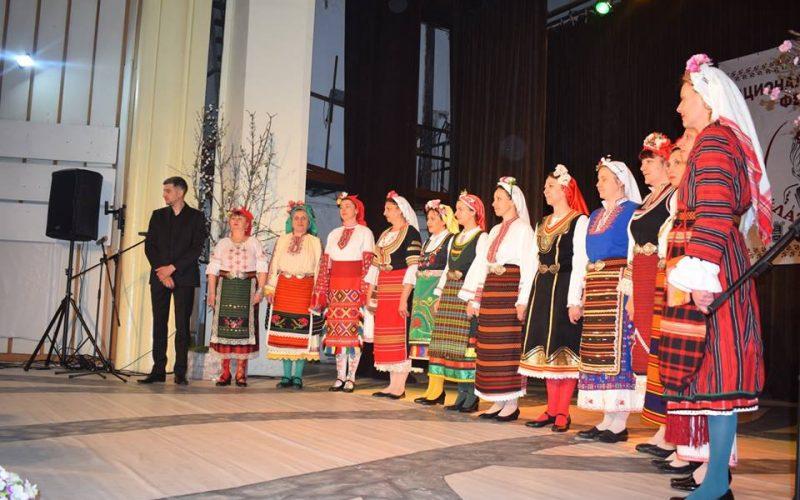 Фолклорен фестивал зарадва Елин Пелин (СНИМКИ)