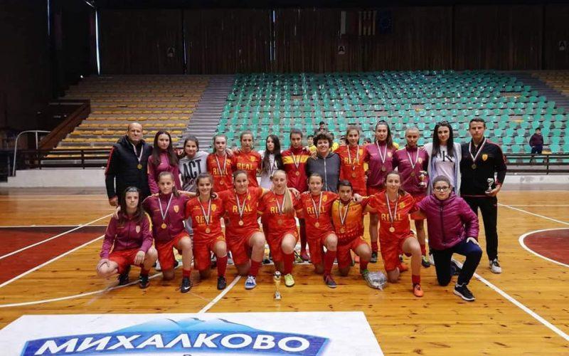 Девойките на Риал (Ковачевци) триумфираха на турнир в Перник (СНИМКИ)