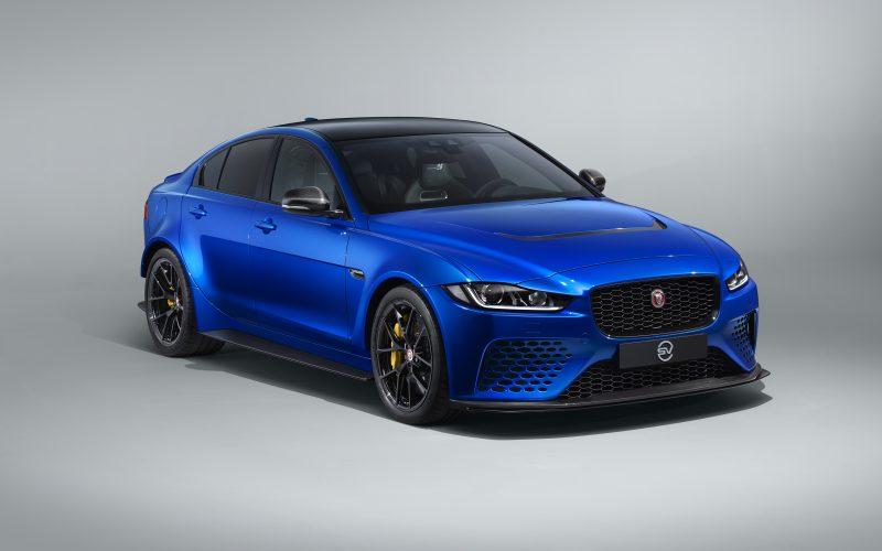 Дивата котка Jaguar XE SV Project 8