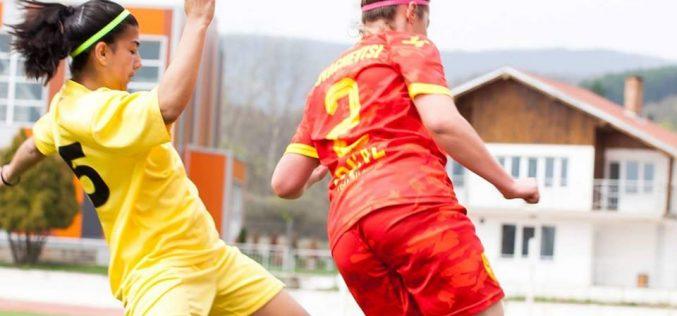 Никол Николова: Без футбол не мога да живея!