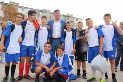 Шефът на БФС писа на УЕФА, защити нашата публика