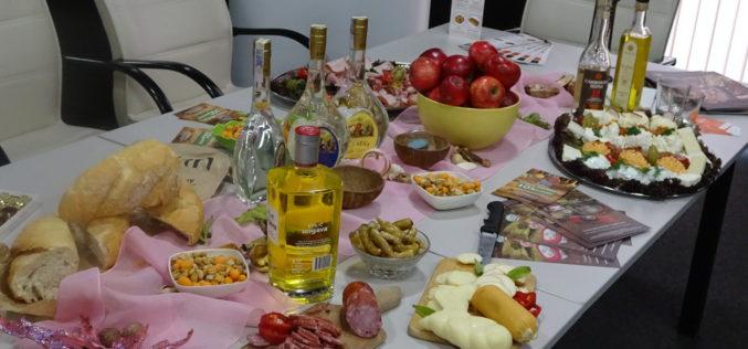 Фестивалът на ракията продължава и днес (СНИМКИ)