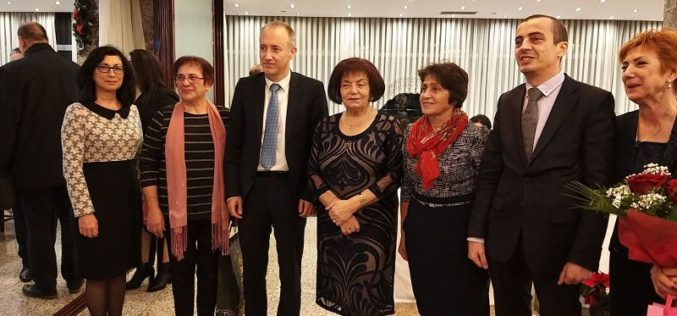 """Синдикатът на българските учители отличи район """"Надежда"""" за пореден път"""