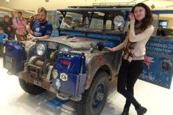 Шемети пътуват с ретро Land Rover от Сингапур до Лондон през София