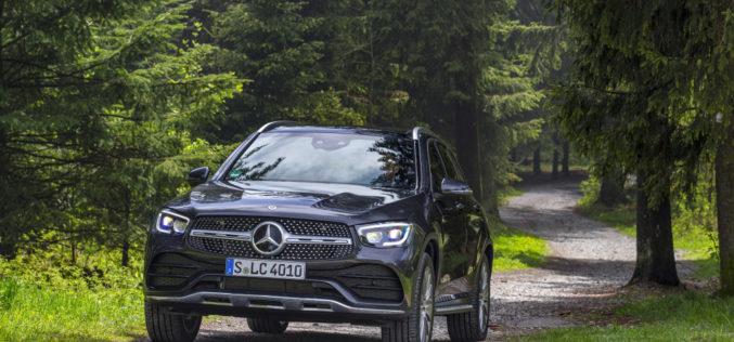 Mercedes-Benz разбива продажбите с SUV гамата си