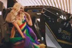 Реклама на BMW с транссексуален мъж хвърли в шок почитателите на марката