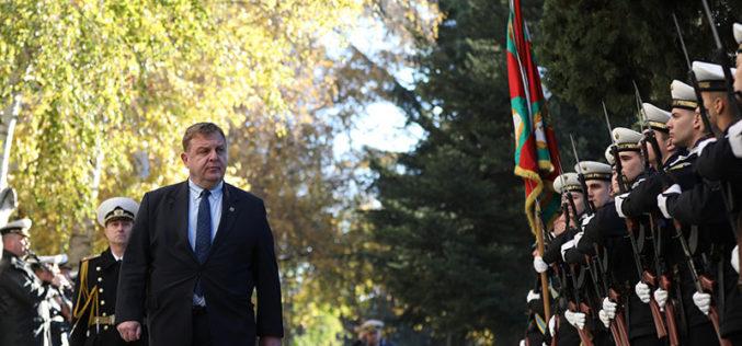 Каракачанов: Без нов модел на интеграция маргиналите ще продължат да убиват и безчинстват