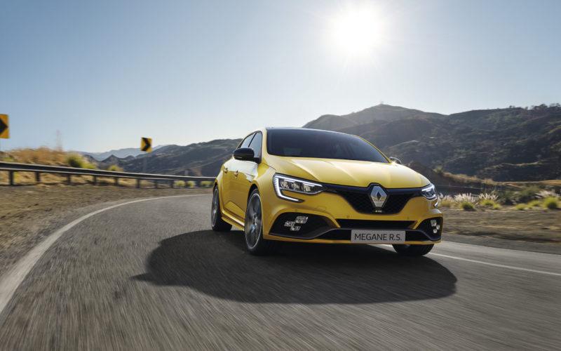 Емблемата Renault Megane пое нови предизвикателства