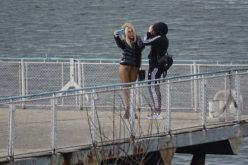 Спазват ли ограниченията столичани? Ето как е около езерото в Панчарево! (СНИМКИ)