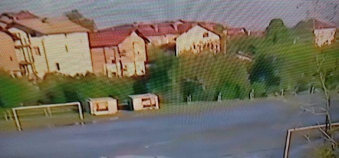 Бедствие: Отпадни води и шлам заляха футболен терен в Перник (СНИМКИ)