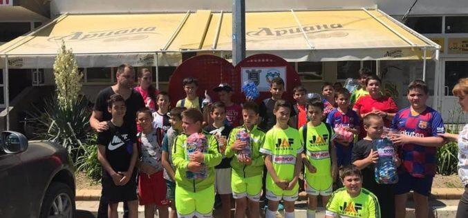 Деца помагат на деца в Елин Пелин (СНИМКИ)