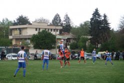 Здраво дерби в Негован, 4 гола и спортсменски дух  (ВИДЕО и СНИМКИ)