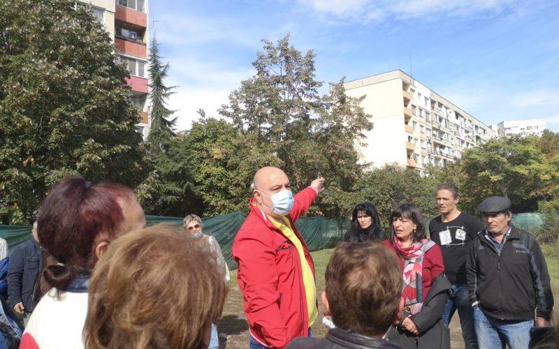"""Инж. Димов се срещна с граждани от """"Надежда"""", обсъдиха новия паркинг (СНИМКИ)"""
