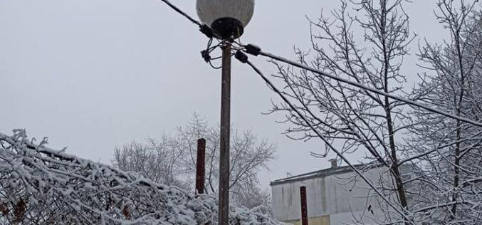 """След намеса на Антов игрище в """"Надежда"""" се сдоби с осветление (ВИДЕО)"""