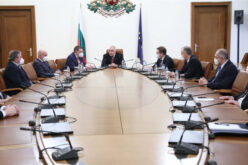 Министър Ангелов издаде три заповеди във връзка с актуалната епидемиологична обстановка