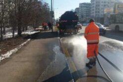 Започна миенето на софийските улици