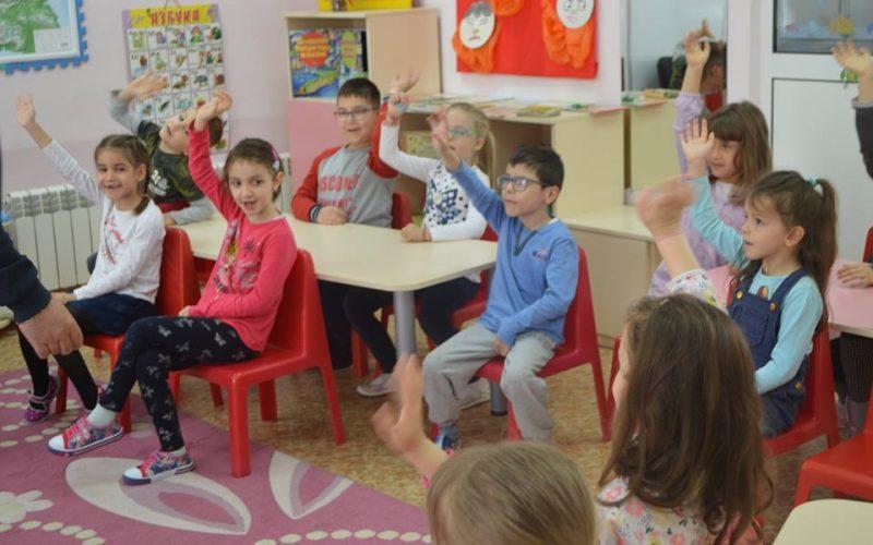 Официално: Отварят детските градини, басейните, фитнес-клубовете…