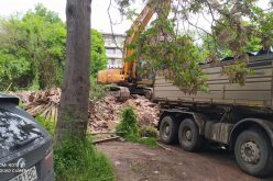 "Премахнаха опасни постройки в ""Банишора"" (СНИМКИ)"