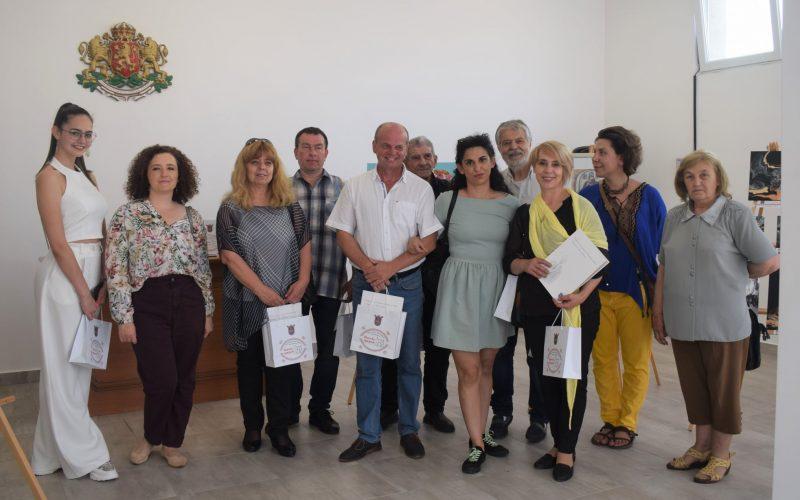 15 художници от Елин Пелин се включиха в изложба от Шопския празник